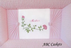Pink Velvet Mother, Pink Roses, Ray on Both Sides With Rosette